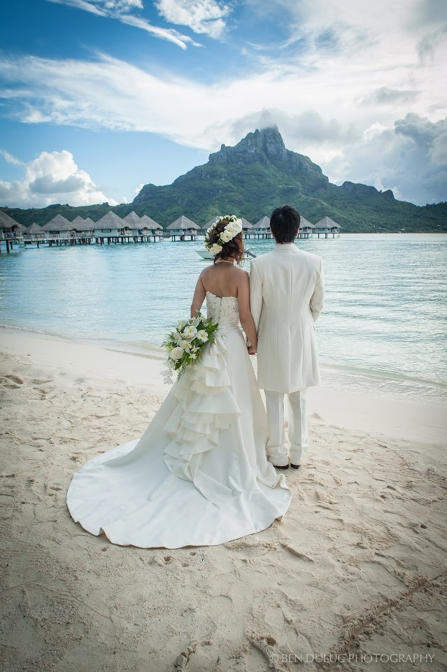 Beyoutiful beginningsis bora bora your ultimate wedding if you have money to splurge why not get married in bora bora just looking at these pictures you know how amazing bora bora can be junglespirit Image collections